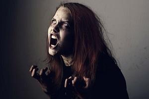 Бесноватые люди, признаки одержимости человека бесами, как она проявляется, вселение демона в человека, признаки одержимости у детей