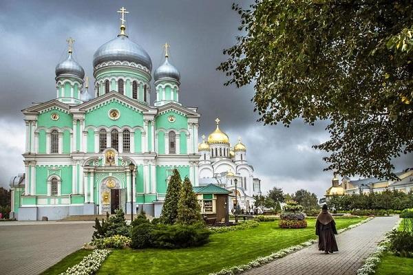 Лучшие монастыри россии