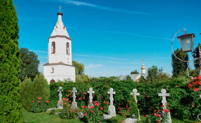 Алексеево-Акатов женский монастырь кладбище
