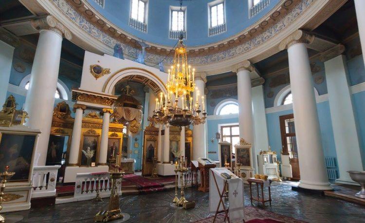 Храм Всех Скорбящих Радость на Ордынке внутри