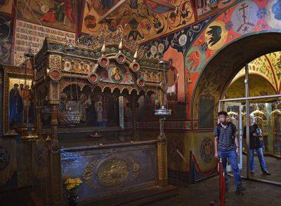 Над могилой Василия Блаженного