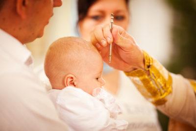 Миропомазание при крещении