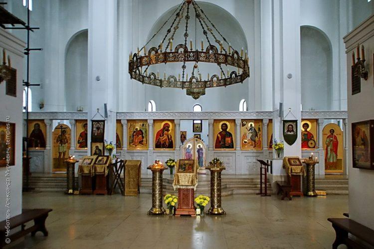 Храм Всемилостивого Спаса в Митино внутри