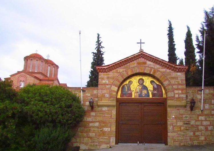 Монастырь в Суроти