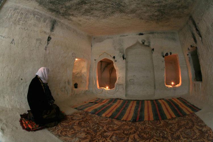 Подземная мечеть Бекет-ата